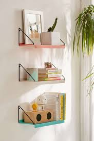 8 bedroom wall decor ideas to liven up your boring walls 8 bedroom wall decor ideas shelving hanging shelves on your bedroom walls gives