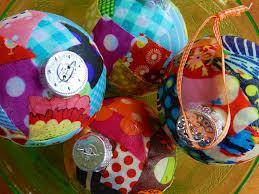 make cheap diy ornaments mod podge rocks