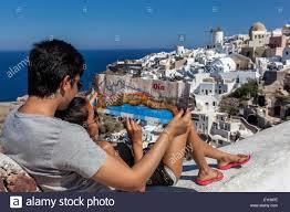 Map Of Santorini Greece by Couple With A Map Oia Santorini Greek Islands Greece Eu