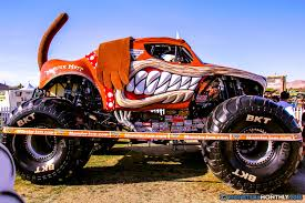 bigfoot monster truck cartoon monster mutt monster trucks wiki fandom powered by wikia