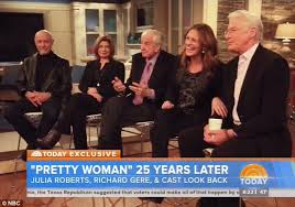 julia roberts greets richard gere with kiss as pretty woman cast