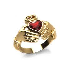claddagh rings garnet claddagh ring jewelry designs