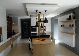 faux plafond cuisine design le faux plafonds souligne la partie centrale un amour de maison