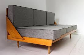 couch mit hocker mid century schlafsofa mit hocker 1960er bei pamono kaufen
