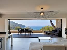 Belle Salle De Bain Contemporaine by La Madrague Sea Views Mirror Pool Modern Architecture 5 Min