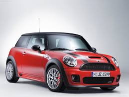 mini cooper porsche mini challenged porsche now hyundai challenges mini motoring beyond