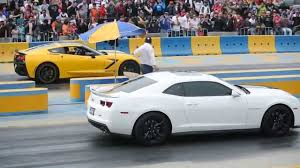 camaro zl1 vs corvette corvette stingray c7 supercargado vs camaro zl1 arrancones pegaso