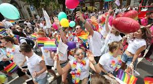 emmerdale and corrie cast among turning out for pride