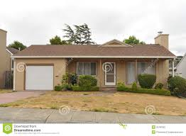 single story house single story family house with driveway stock photography image