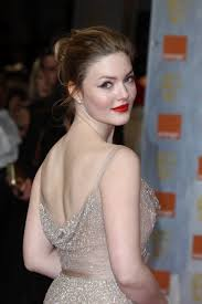 holliday grainger height weight body measurements haircut bra size