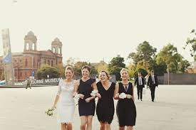 robe noir pour un mariage dress code pour les témoins avec des robes à l intérieur