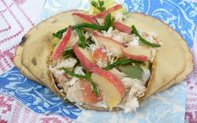 salicorne cuisine recette salade de crabes salicorne pourpier herbes et pêches