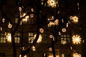How To Hang Christmas Lights by Lighting Gallery And Decorating Ideas Awesome How To Hang