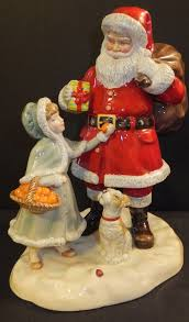 royal doulton 2015 a gift for santa hn 5733 christmas figurine of
