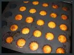 cuisine jaune d oeuf cannelés bordelais qu avec des jaunes la cuisine de sabine