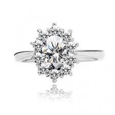snubny prsten strieborný snubný prsteň 925 oválny číry a malé trblietavé