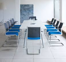 Table A Langer Leclerc by Enclosed Meeting Rooms Ispace Environments