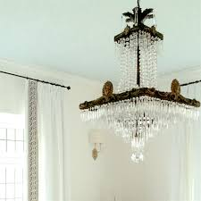 Upside Down Crystal Chandelier Two Doctors Try To Save Man U0027s Eye After Dining Room Lighting Accident