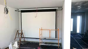 wohnzimmer leinwand multimedia wohnzimmer mit naturstein verblender selber bauen