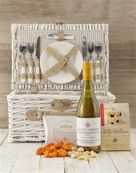 Wine Picnic Baskets Order Gourmet Picnic Baskets Gifts Online Personalise Your Gift