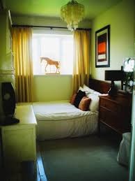 Bedroom Decorating Ideas Brown And Red Bedroom Best Decorating Ideas For Small Bedrooms Brown Rug