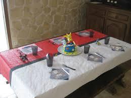 vaisselle jetable fete une belle décoration pour un anniversaire pokémon myplanner le