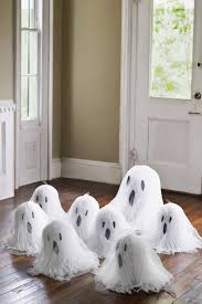 40 quick and easy diy halloween decorations tissue paper