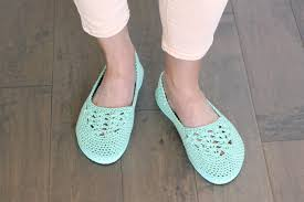 crochet slippers with flip flop soles free pattern video cotton yarn and a rubber sole make this free crochet slippers with flip flop