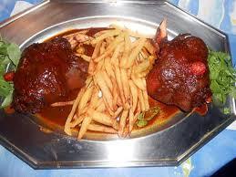 cuisine jarret de porc recette de jarret de porc confit au four