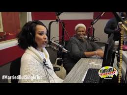 lisa raye and husband fight newhairstylesformen2014com lisaraye mccoy talks married but single too with mason and coco in