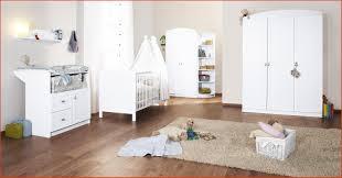 chambre bebe pin chambre bebe blanche lovely chambre bébé blanche en pin et mélaminé