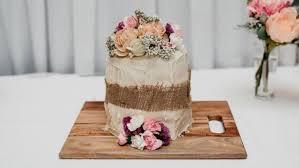bride u0027s friends save the wedding after 500 cake doesn u0027t arrive