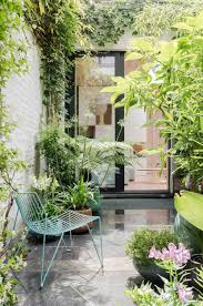 amenagement terrasse restaurant jungle patio urban jungle pinterest terrasses extérieur et