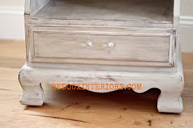 Vintage Nightstands Vintage Nightstands With Champagne Color And Chrystal Knobs