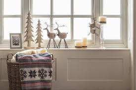 Traditional Christmas Window Decorations by Add Cheer To Your Windows By Decorating Them For Christmas