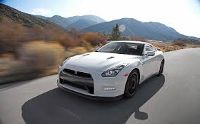nissan godzilla 2016 watch the reveal of the nissan gt r live from new york