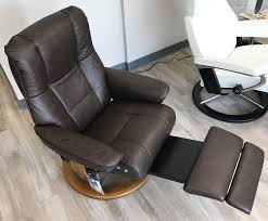 leather recliner chairs stressless mayfair legcomfort paloma chocolate leather recliner