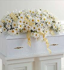 casket flowers funeral casket flowers fn cf020 everest florist and gifts