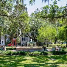 Savannah Georgia Forrest Gump Bench Savannah U0027s Squares U0026 Parks Visit Savannah