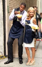 how does kelly ripa style her hair kelly ripa sports wet hair and no make up before firefighters
