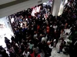 h m tysons corner mall virginia 12am black friday