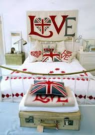 Red White And Blue Home Decor 30 Patriotic Decoration Ideas Union Jack Themed Decor In Blue Red