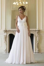 v neck weddig dress 23 sposamore