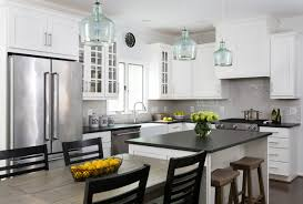 kitchen pictures white cabinets black counters white cabinets and black countertops make a winning combination
