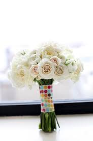 cost of wedding flowers wedding experts reveal their best cost cutting secrets bridalguide