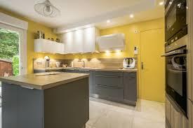 peinture cuisine jaune peintures de cuisine les couleurs tendance du printemps 2017