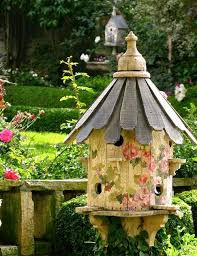 unique yard decorations to personalize garden design and outdoor