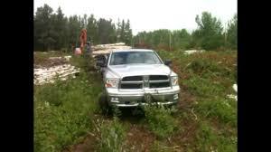Dodge Ram Cummins Towing Capacity - ram 1500 pulls gooseneck with 3 axles overload youtube