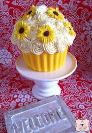 Easy Giant Cupcake Decorating Ideas Giant Cupcake Chocolate Shell Giant Cupcakes White Chocolate