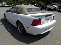 2004 white mustang convertible oxford white 2004 ford mustang gt convertible exterior photo